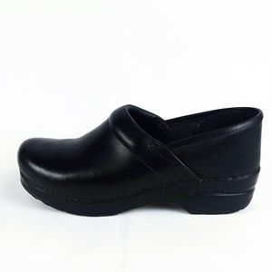 Dansko Professional Black Leather Clogs EUR 39